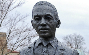 James-Meredith-Statue.png